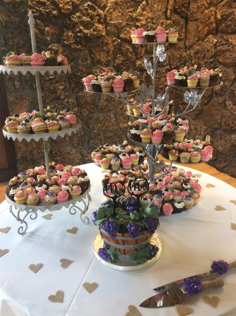 Wedding Cupcakes Amp Dessert Bar Cinful Desserts